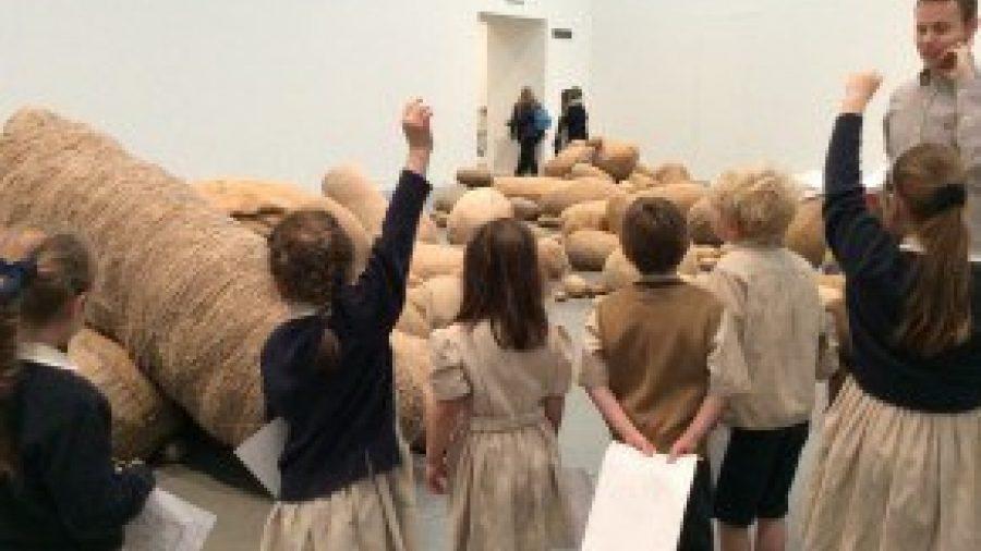 Year 1 & 2 Enjoy Insightful Visit to Tate Modern