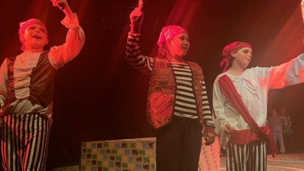 Upper School Stun Audience With Stage Production